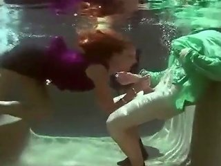 Underwater Make Up Sex Txxx Com