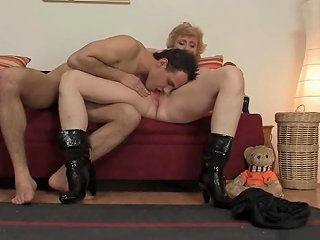 Skinny Granny Is Picked Up For Play Upornia Com