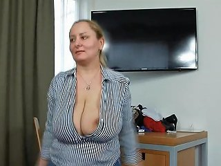 Jumping With Saggy Tits 720p Free Jumping Tits Hd Porn 37