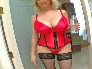 Cougar With Huge Hooters Is All A Lucky Fellow Wants To Fuck